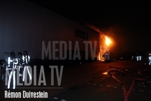 Grote brand in loods [VIDEO]