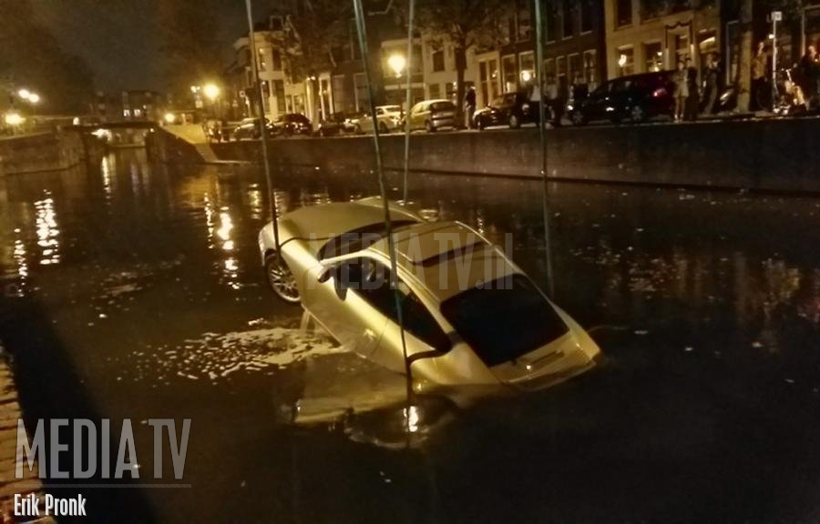 Porsche te water Lange Haven Schiedam