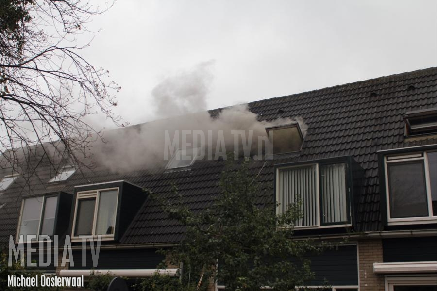 Middelbrand in woonhuis Arnoldipad Schiedam (video)