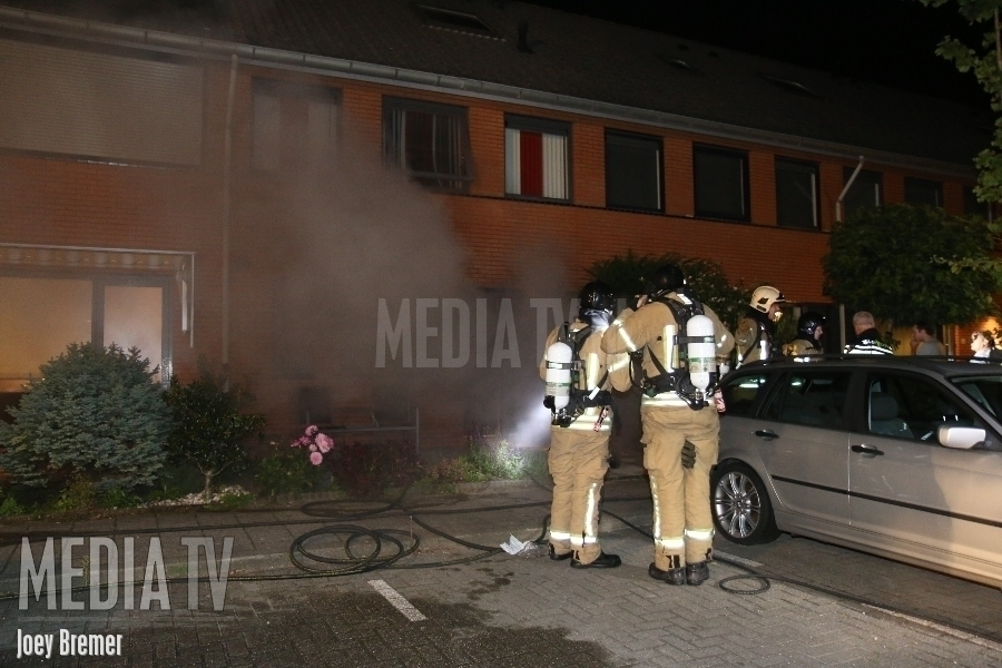 Middelbrand in woning Steenbreekvaren Bergschenhoek (video)