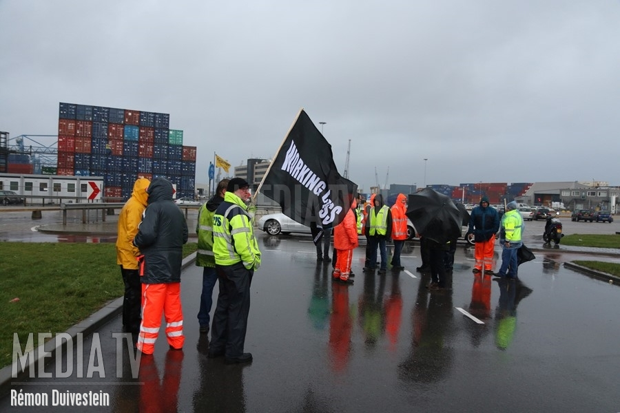 24 uur durende havenstaking in haven Rotterdam (video)